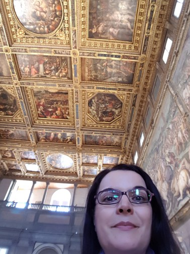 Me in the Hall of the 500, Florence in 1 day