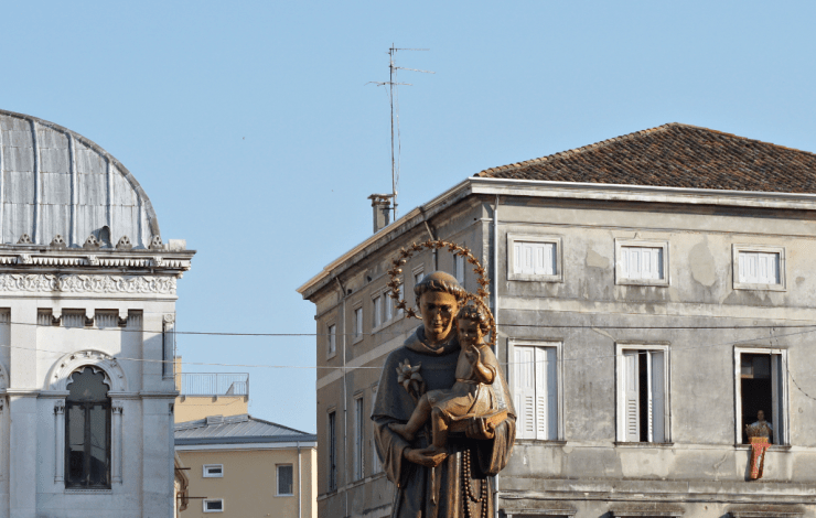 St Anthony day - The Statue