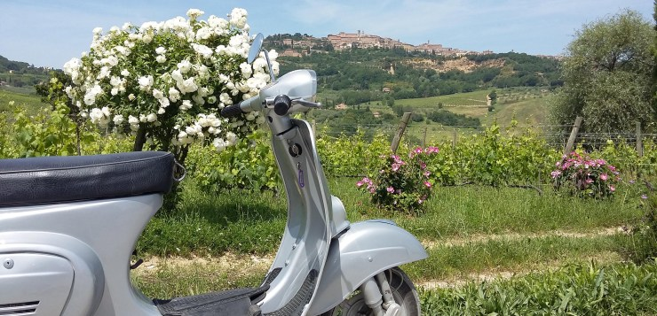 vespa tour, photo courtesy @Valdichiana Living