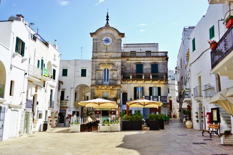 Piazza dell'Orologio Cisternino