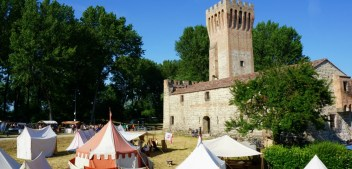 Palio dello Sparviero: medieval reenactment near Padua