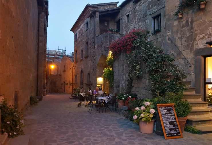 Civita di Bagnoregio by night