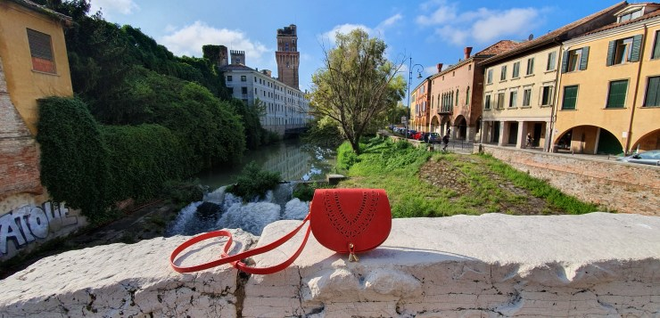 Digerolamo: exquisite leather bags handcrafted in Florence