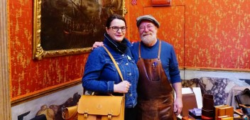 Best souvenirs to buy in Venice: help out real Venetian artisans