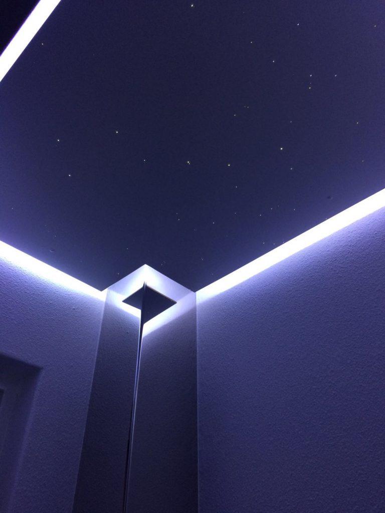 Eclairage De Plafond Aux Toilettes Indirect A Bande Led Mycosmos