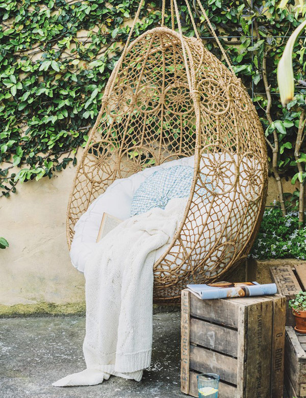 Dreamy summer outdoor reading corners | My Cosy Retreat