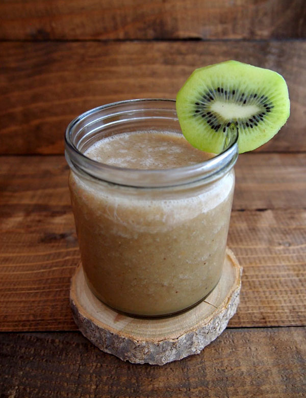 Kiwi, apple and banana smoothie for a fresh start of the day | My Cosy Retreat