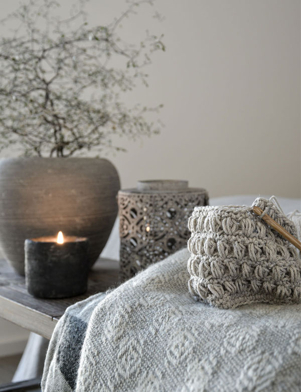 A simple and stylish DIY knitted vase | My Cosy Retreat