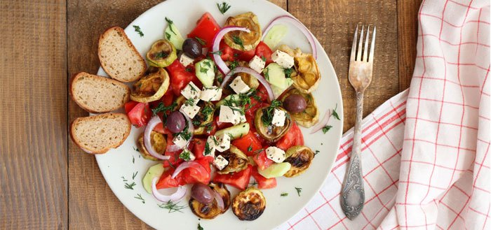 Roasted zucchini salad with tomatoes, cucumbers, olives and tofu | My Cosy Retreat
