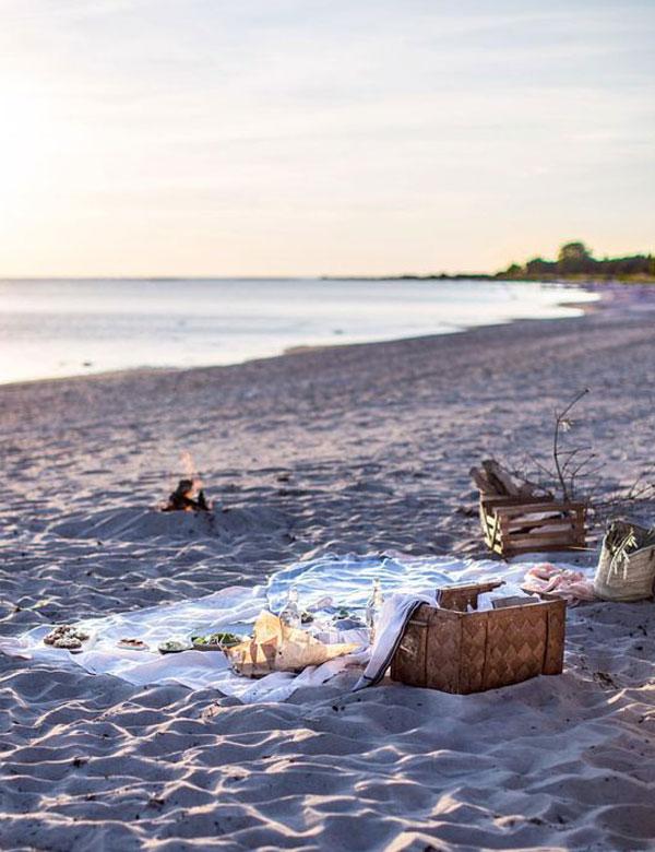 Lovely summer beach picnic inspiration | My Cosy Retreat