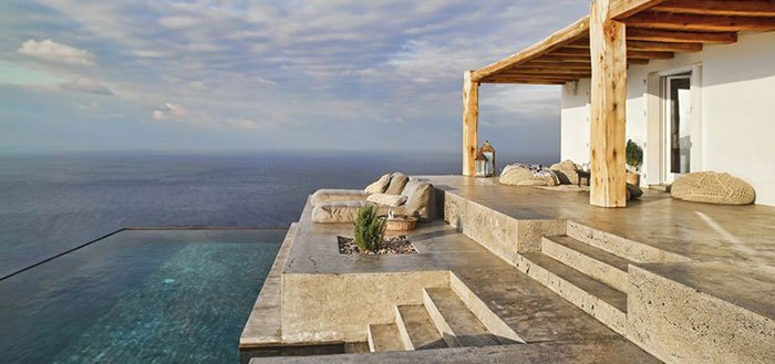 A splendid summer holiday home on the Greek island of Syros | My Cosy Retreat