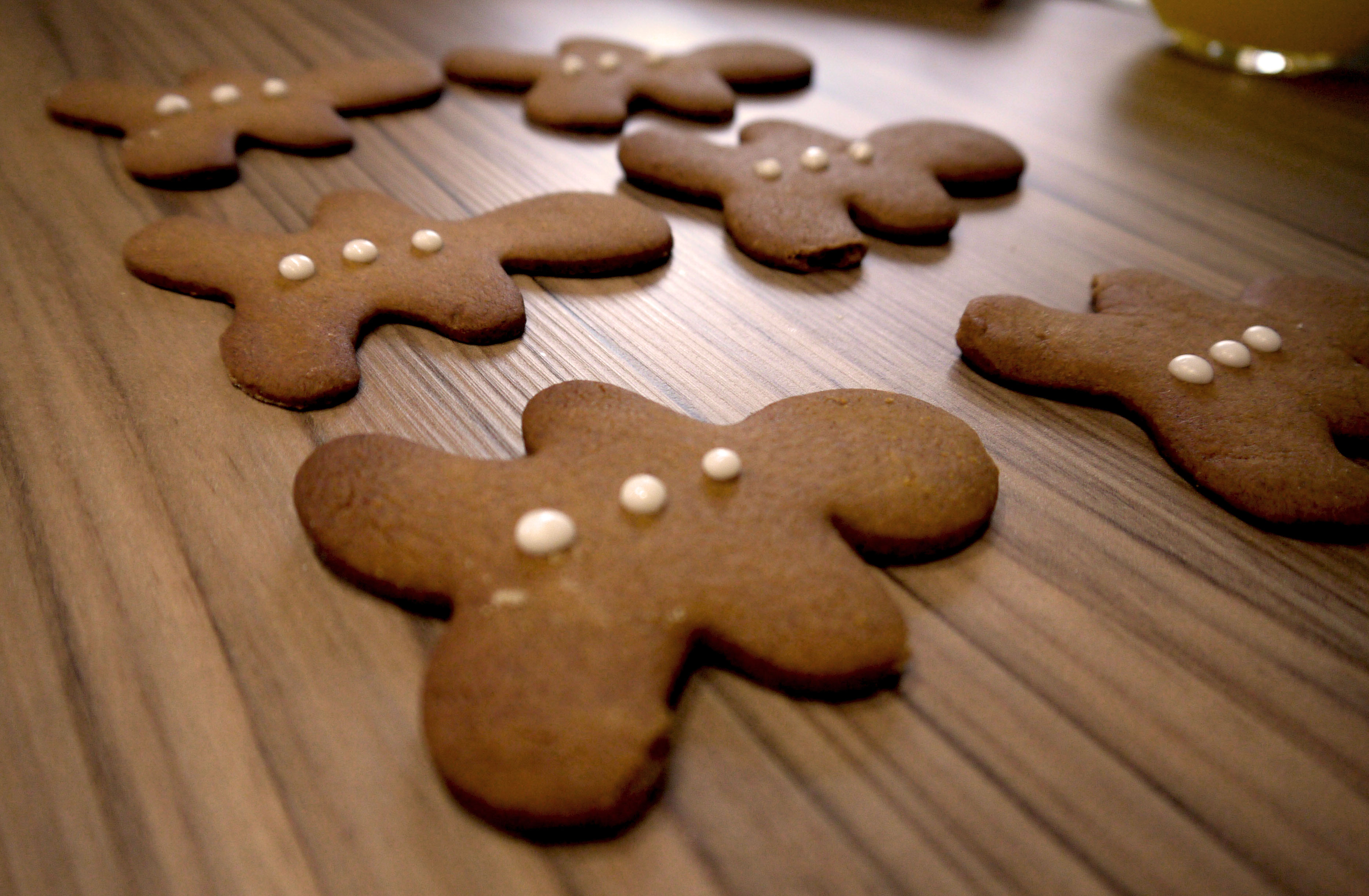Super easy decoration on gingerbread men.