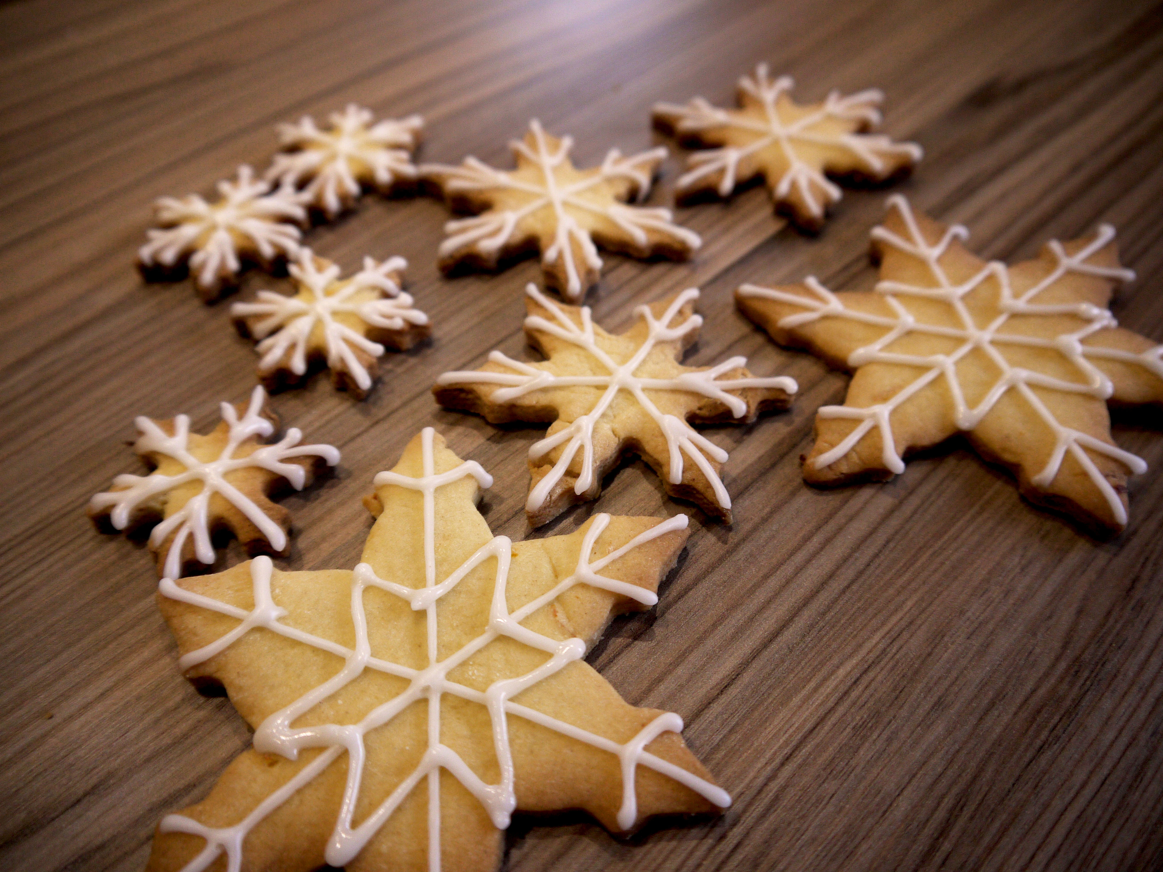 Snowflakes with white icing