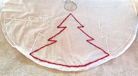 diy tree skirt - 2 step