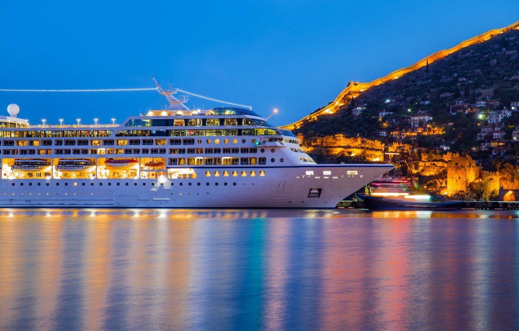 Cruise holidays have become one of the fastest growing travel trends. Here are practical hints which will turn you into an experienced cruiser