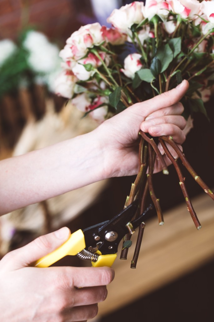 There is nothing worse than purchasing a bouquet of flowers to find they wilt and brown within days. Here are 8 ways to keep cut flowers alive for longer