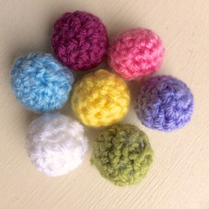 Mini crochet Balls | MyCraftyMusings