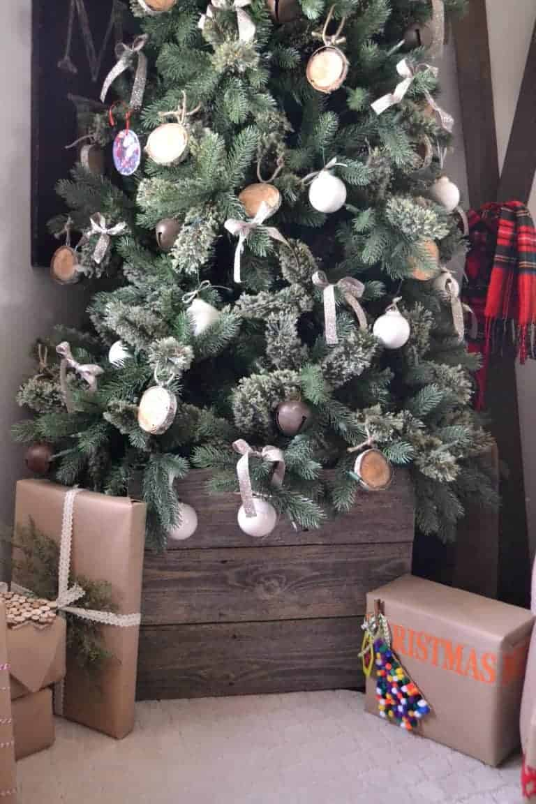 10 Ways To DIY Christmas To Make Your Holiday More Special
