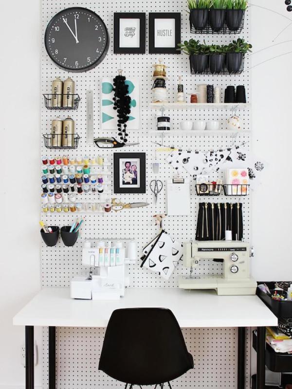 panneau perforé rangements pour materiel créatif scrap masking tape planners agendas feutres