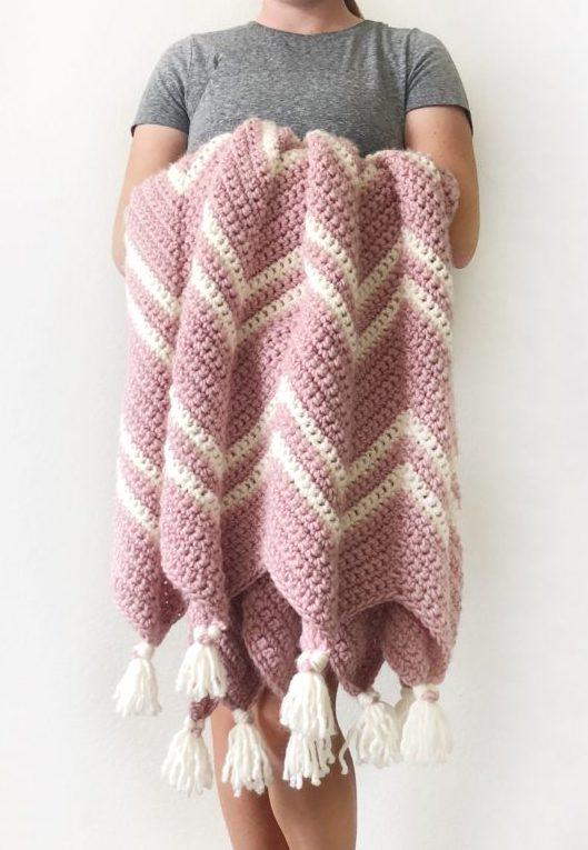 A Chevron Crochet Blanket Basic Guide Crochet Pink Chevron Throw Daisy Farm Crafts