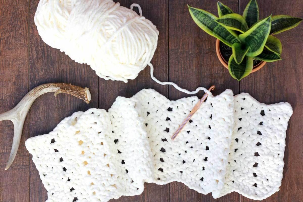 Blanket Crochet Pattern Free to Get You Warmer at Night Free Modern Chunky Crochet Blanket Pattern Beginner Friendly