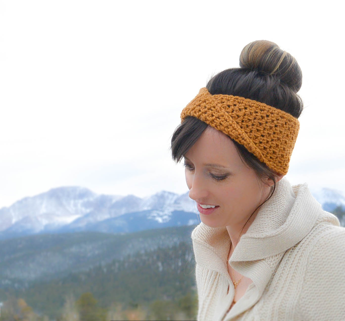 Lovely Headband Crochet Pattern for your hair accesories Golden Fave Twist Headband Free Crochet Pattern Mama In A Stitch