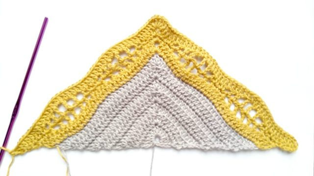 Kalinda Shawl - easy and free crochet pattern by www.mycrochetory.com