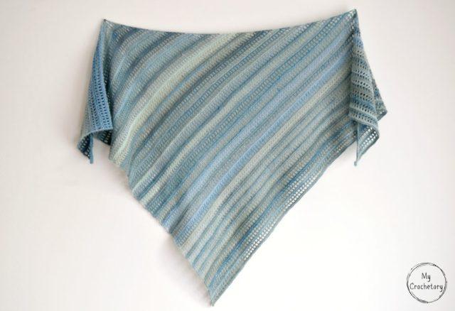 Aprilis Shawl - beginner friendly free crochet pattern by www.mycrochetory.com
