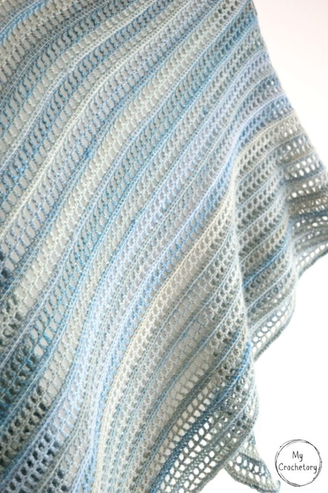 Aprilis Shawl - beginner friendly free crochet pattern by www.mycrochetory.com