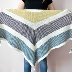 Triangle Moss Stitch Shawl – free crochet pattern