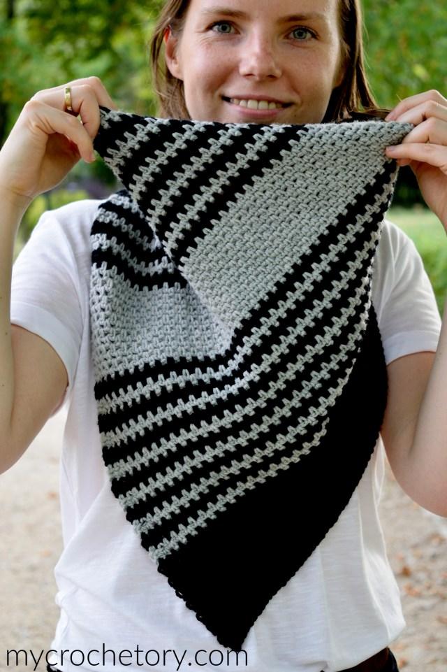 Crochet Greus Cowl - modern, asymmetrical free crochet cowl pattern by mycrochetory.com