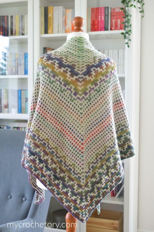 Namari Mosaic Triangle Scarf free crochet pattern.