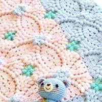 Pretty crochet baby blanket pattern