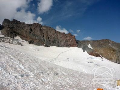 The route across the Cowlitz Glacier