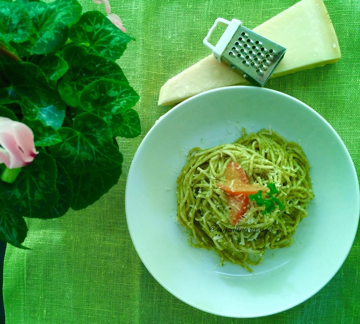 Basil Pesto Pasta with tomatoes
