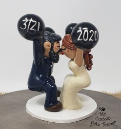 Bride and Groom Kissing Snatch