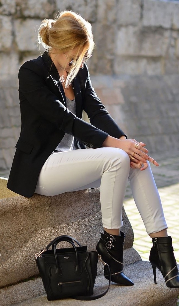 19-white-trousers-a-black-blazer-a-grey-top-and-black-ankle-boots