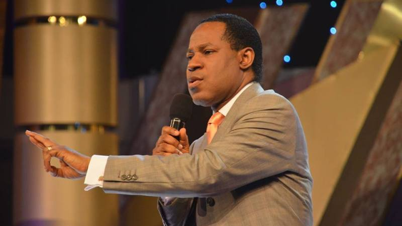 'How Dare You?' —Oyakhilome Tackles FG for Limiting Duration of Church Services Over COVID-19