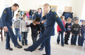 Soldiers visiting orphans on Veteran's Day