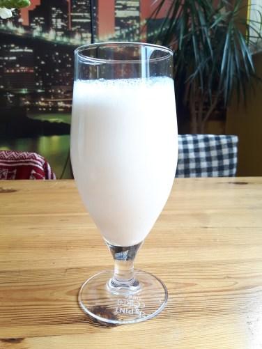 Almond milk using ground almonds