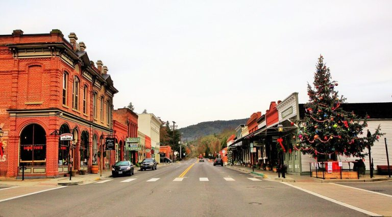 jacksonville oregon christmas town