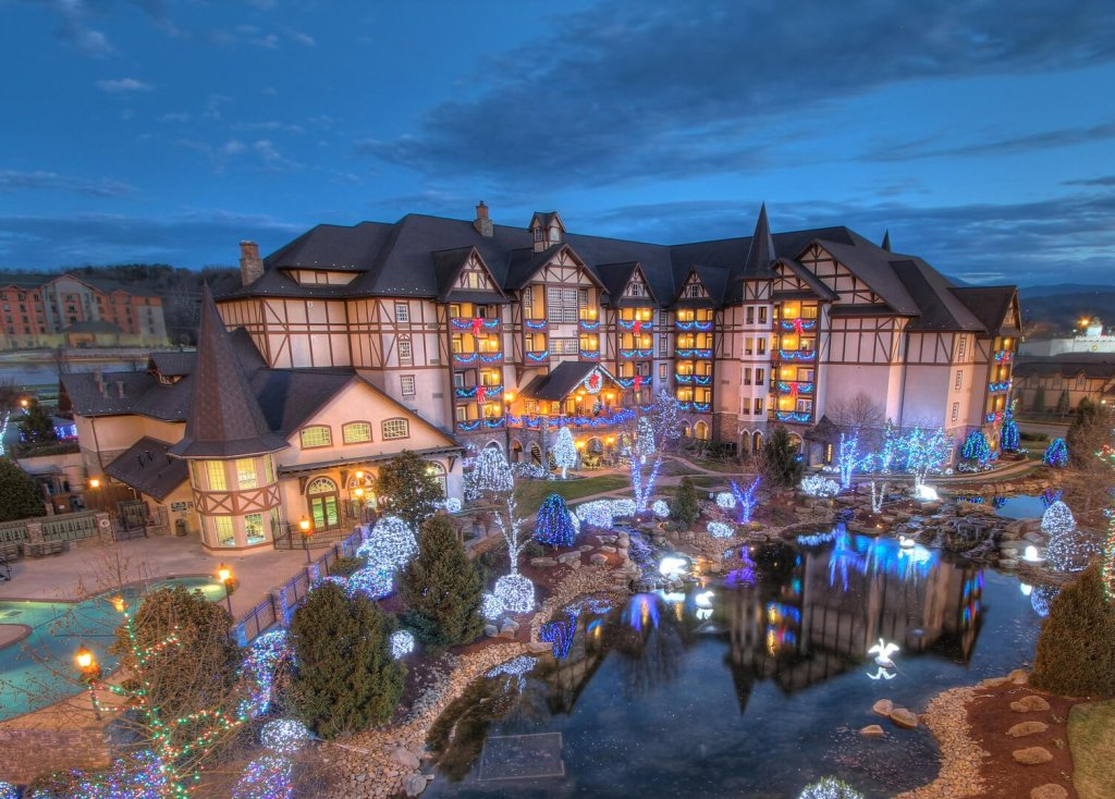 pigeon forge tn the inn at christmas place