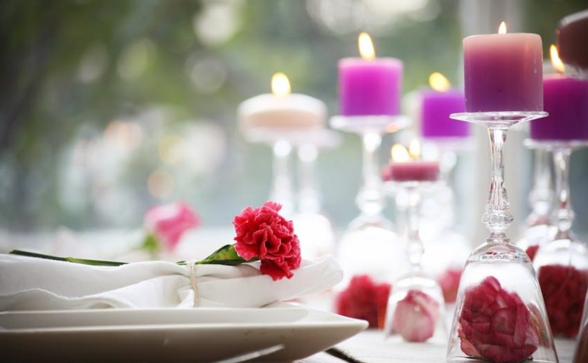 Valentines day: ideas for decorate tables