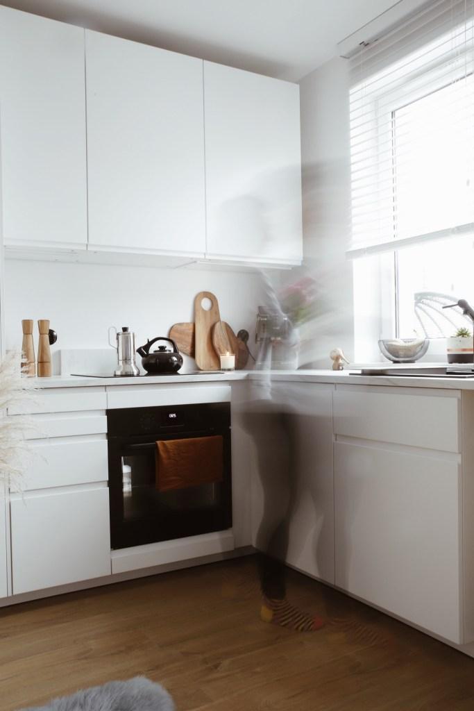 Biała kuchnia IKEA VOXTORP