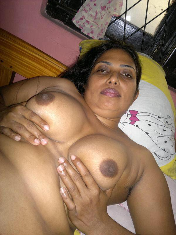 Indian-Xxx-Mallu-Bhabhi-Hot-Nude-Aunty-Photo-Housewife-Sex -7420