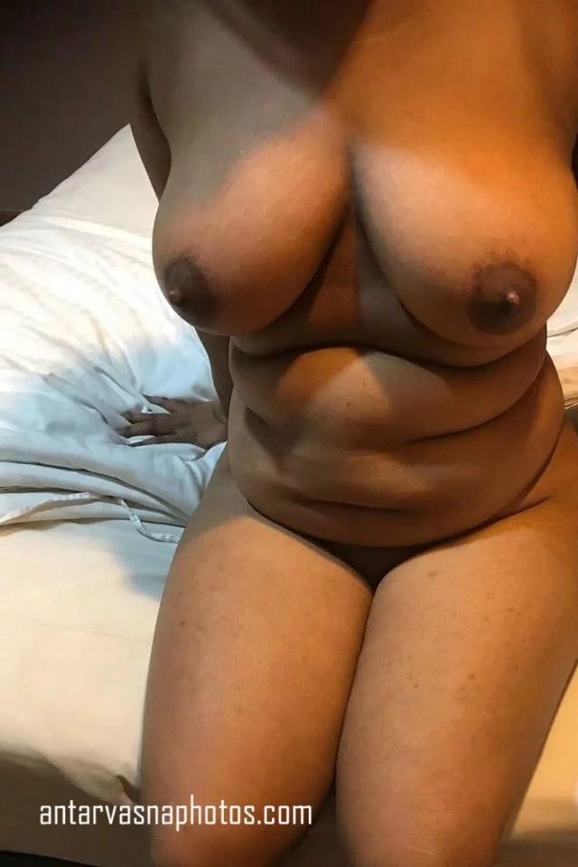 Desi girl ki sexy boobs ki photos