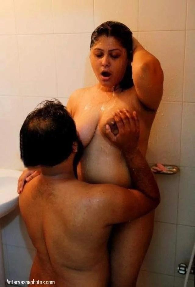 indian model ki shower me bhegate hue chudai