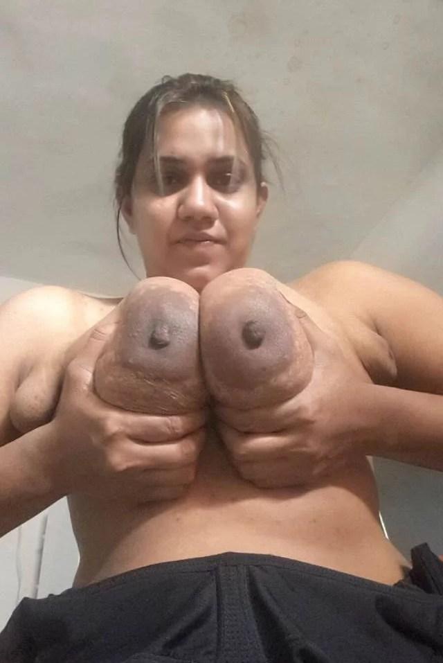 Nude sexy indian aunty ke huge boobs sex photos