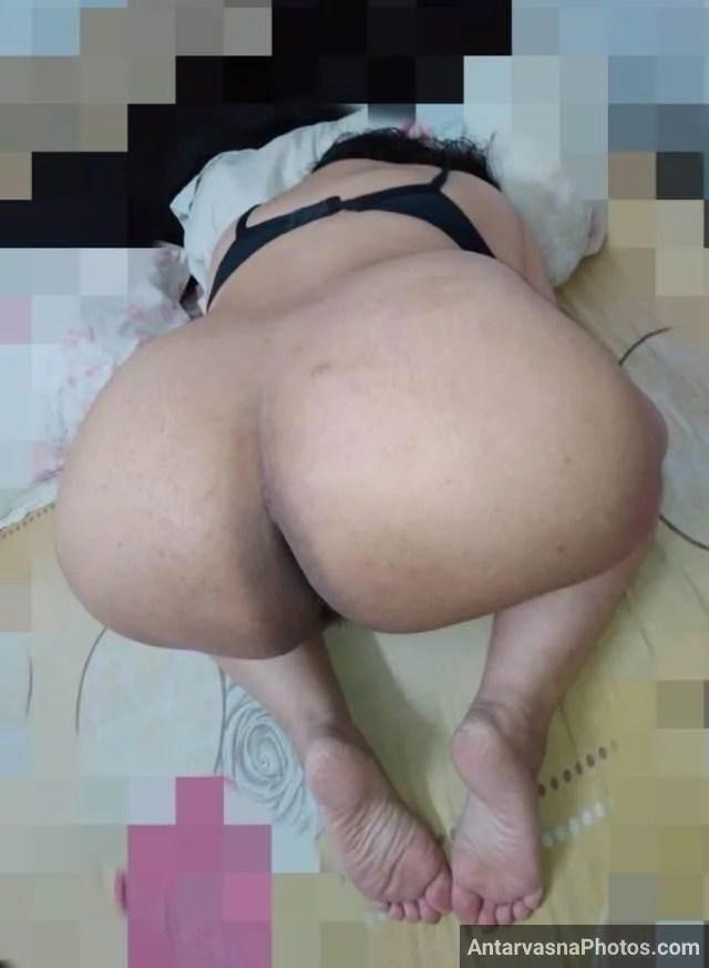 Premi se gaand marwane ko pose bana taiyaar aunty nude photos
