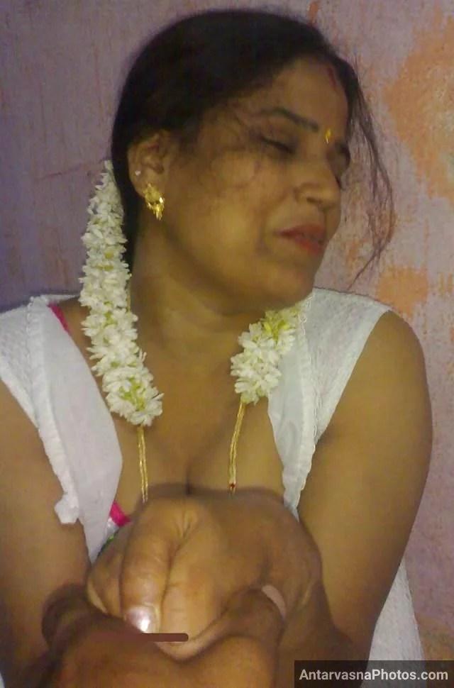 Indian boobs photos dikhati mast bhabhi